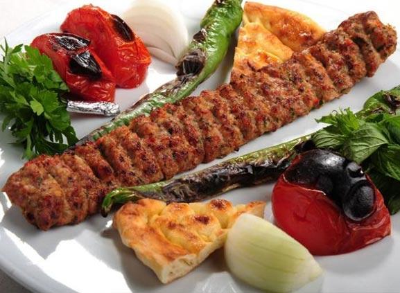 Adana Kebap Nasıl Pişirilmeli?